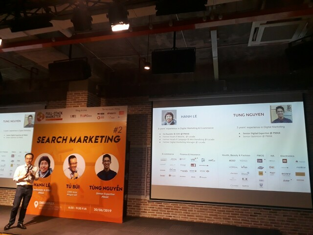 Anh Tú Bùi đang diễn thuyết Search Marketing SEM