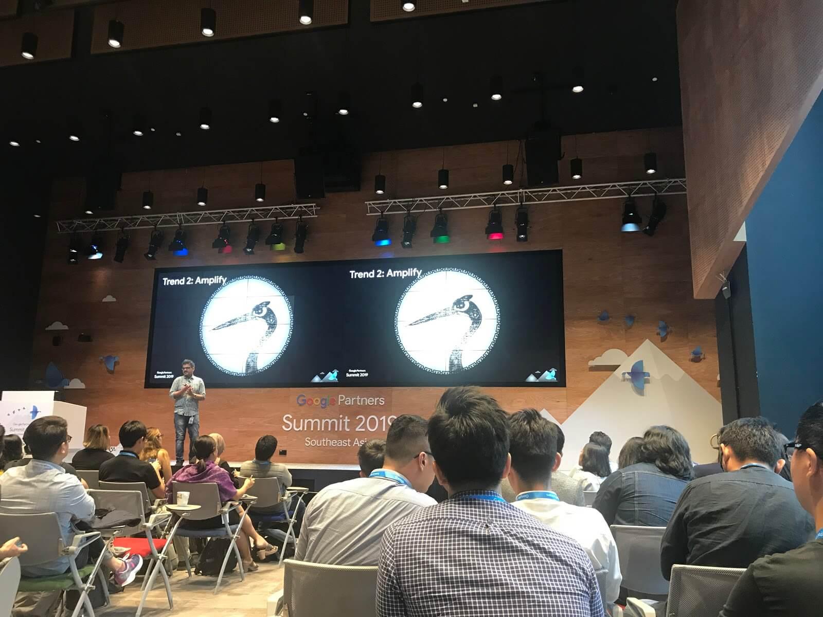 Google-Summit-bàn-về-Amplify