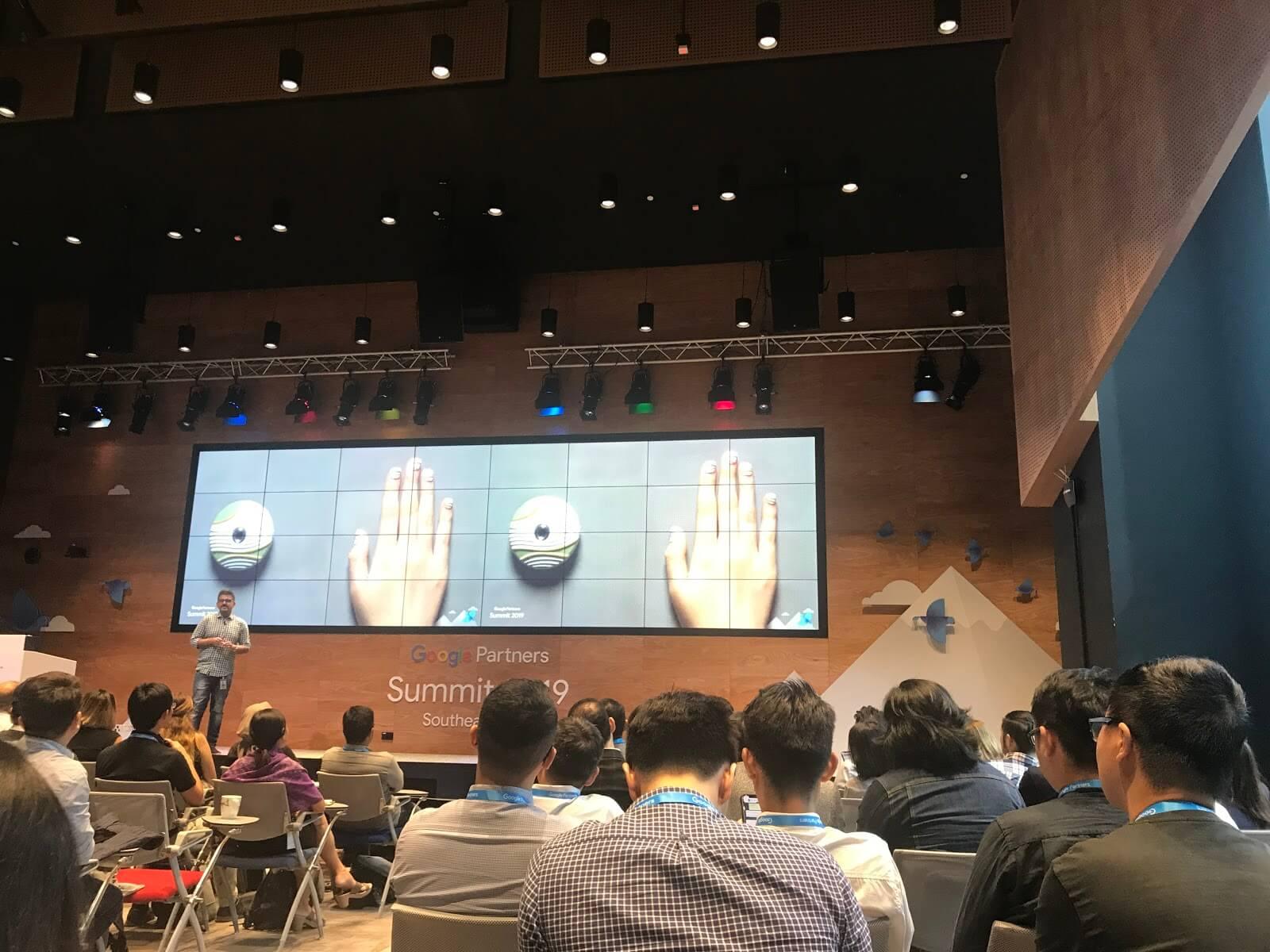 Sự-kiện-Google-Summit-nói-về-Assist
